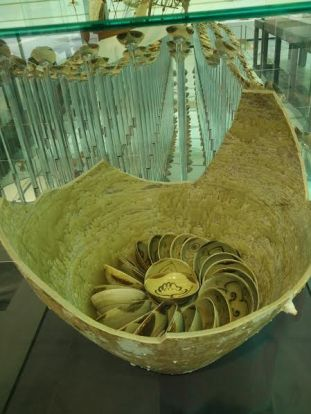 packaging-of-bowls-in-urn